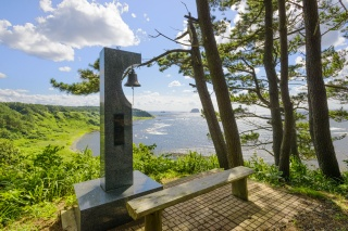 飛島渚の鐘(Bell of Beach, Tobishima island)